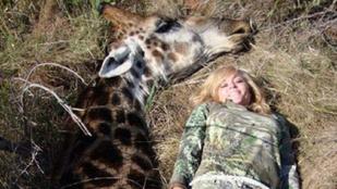 A főköcsög cím legújabb nyertese: a nő, aki halott zsiráffal pózolt