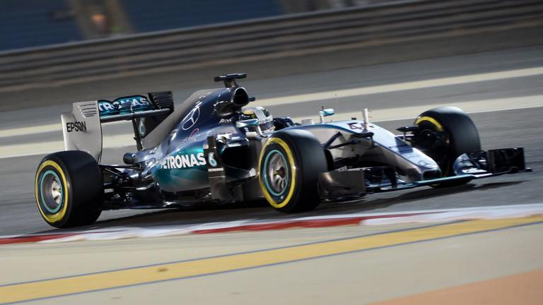 Hamilton 4/4, megvan a pole Bahreinben is