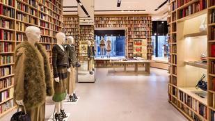 Mit keres 50 ezer könyv egy divatszalonban?
