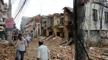 1100-nál is több halott a nepáli földrengésben