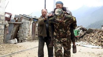 Tibetet is elérte a nepáli földrengés