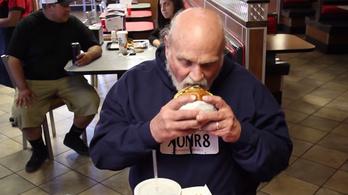 36 évet ült ártatlanul, egy évig ingyen ehet hamburgert