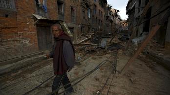 Katmandut méterekkel eltolhatta a földrengés