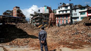 Egy méterrel emelkedett meg a föld Katmandunál