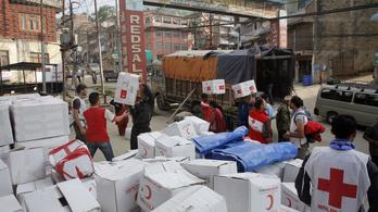 Miért nem jut el a segély Nepálba?