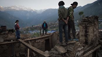 Hétezernél több halott, kétszázezernél is több elpusztult épület