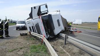 Három baleset volt egymás után az M1-esen
