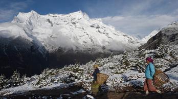 Újabb földrengés rázta meg Nepált