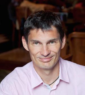 Dr. Krivácsy Péter, a Semmelweis Egyetem I. számú Bókay Gyermekklinikájának Sürgősségi Ambulanciájának Osztályvezetője, a Léghajó program vezetője