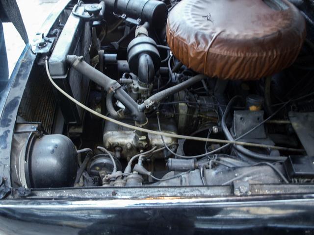 Ha kicsodálkoztuk magunkat a vízszintes Wartburg-motoron, érdemes a váltó mellett is körülnézni