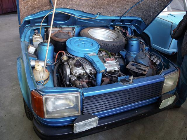 A nagy terv, a cseh-német KGST autó tervének újrahasznosításával, a Skoda által szállított 1,1-es és 1,3-as motorral készültek volna a 610-esek