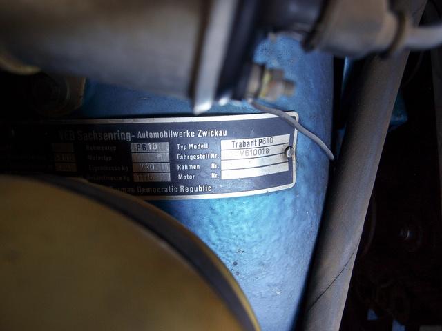 Ennek is van becsületes típustáblája, eszerint Trabant P610, 730 kg saját tömeggel - Trabant 601 WE (WeiterEntwicklung)