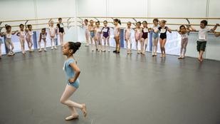 A táncórákon csak lötyögnek a gyerekek
