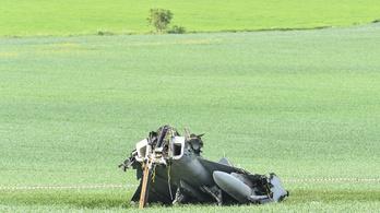 A cseh légierő egyik támaszpontjára vitték az összetört magyar Gripent