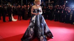 15 méter selyemből készült Cate Blanchett ruhája