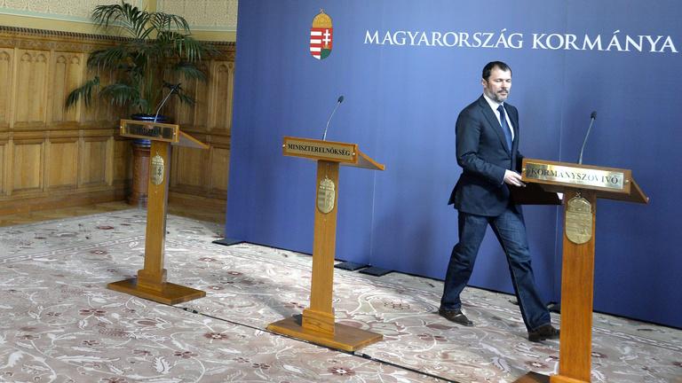 A Fidesz válogatott szavakkal hordta le a Helsinki Bizottságot