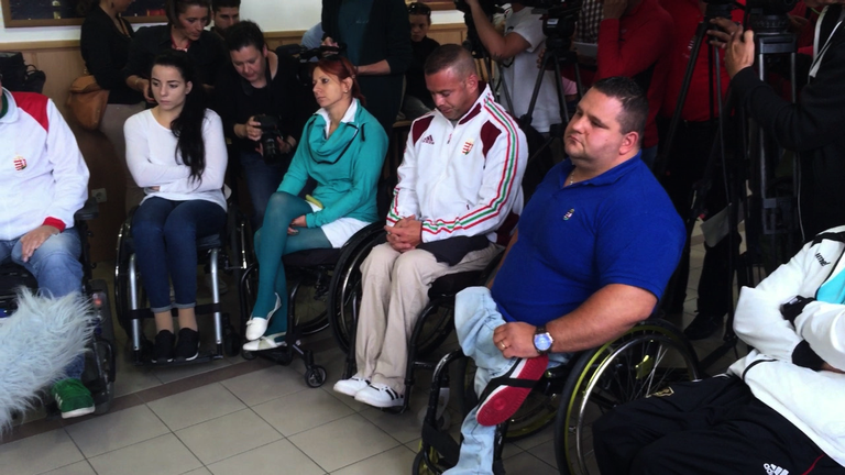 Kidobták a paralimpikonokat az elnökségi ülésről
