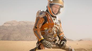 Gyönyörű képek a Marson ragadt Matt Damonról