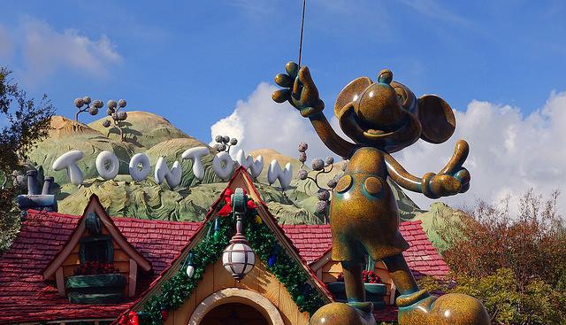 Disneylandben tiltólistás lett a szelfibot