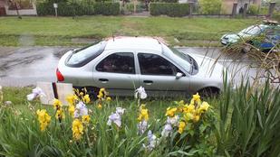Kellemetlen: autóban maradt a slusszkulcs, árokba hajtott a tolvaj