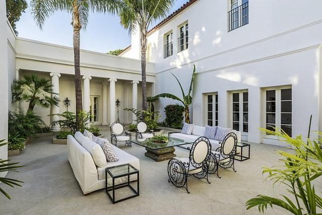"""A """"Trópusi Paradicsomnak"""" Brian de Palma stábján kívül más híres vendégei és bérlői is voltak az elmúlt 108 évben."""