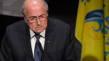 Kiszámoltuk, hogy bukhatna meg Blatter, a válasz: sehogy