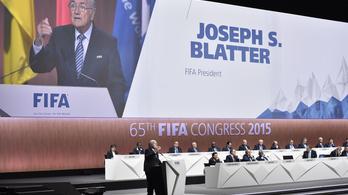Megzavarták a FIFA-kongresszust, Blatter biztonságiakért kiabált