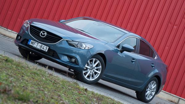 A 6-osnak is jól áll az új Mazda-arc
