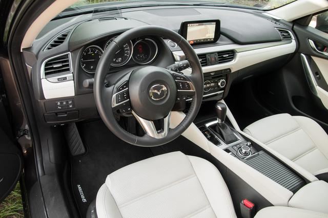 Addig reszelgetett a Mazda ezen a beltéren, hogy most már tényleg nincs semmi szégyellni való