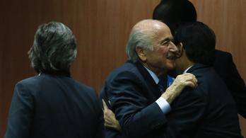 Blatter újra elnök, a FIFA megbukott