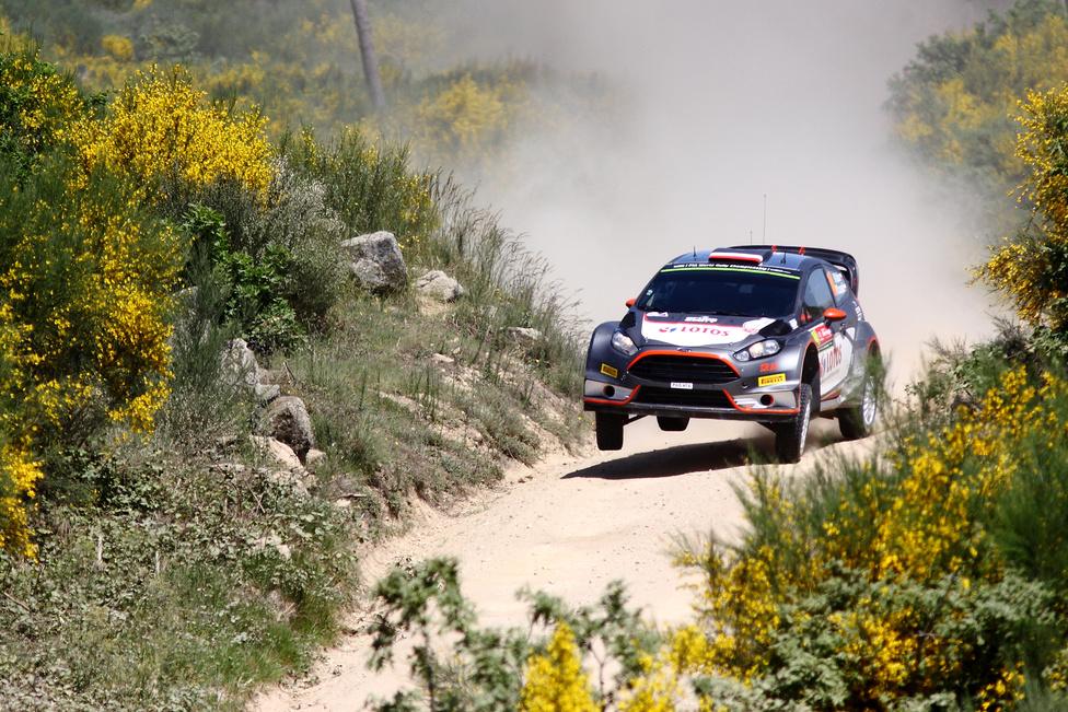 Argetínában nem indult, így Portugáliában már az új Ford Fiesta WRC-vel tért vissza a rali-világbajnokság mezőnyébe a korábbi Forma-1-es versenyző, Robert Kubica. Bevállalós stílusa miatt a lengyel pilótának nem csak hazájából szurkolnak sokan, nagyon népszerű a rajongók körében.