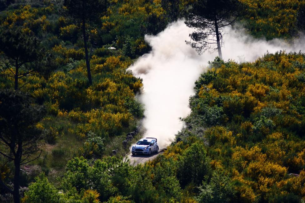 Az új Fiesta WRC-k bemutatkozása nem a legfényesebben sikerült: Evans több technikai problémával is küszködött a hétvége folyamán, Tänak pedig két perc hátránnyal az ötödik helyen zárt.