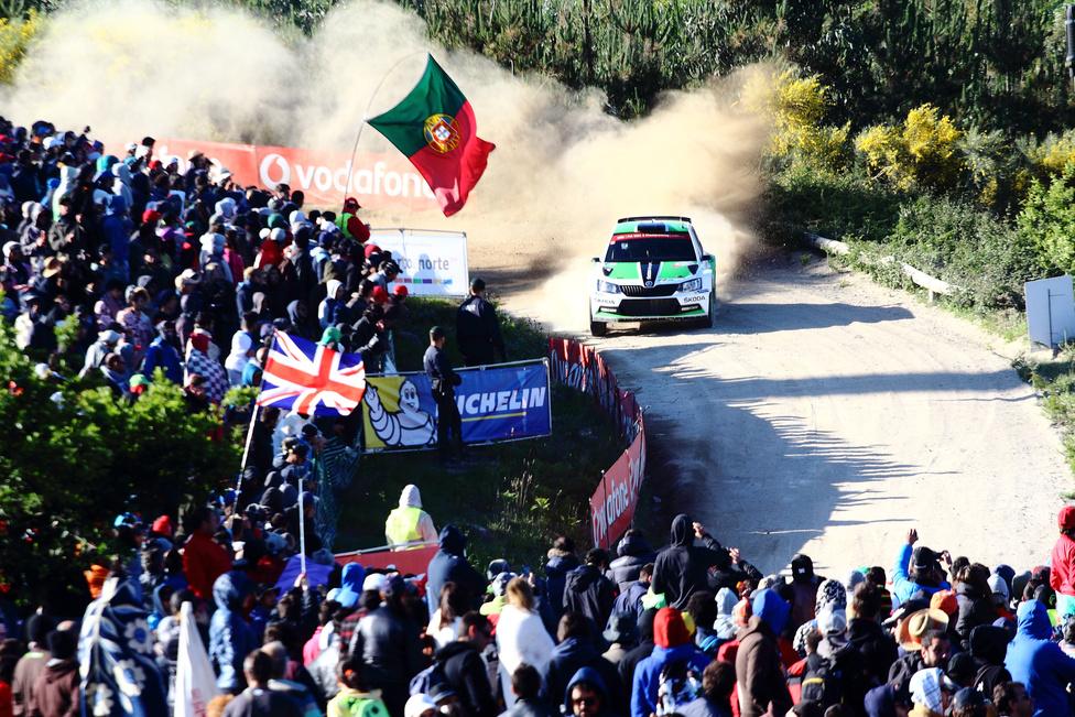 Rengeteg néző előtt mutatkozhatott be a világbajnokság mezőnyében is a Skoda új versenyautója, az R5-ös Fabia. Bár a portugál versennyel megszakadt a kocsi eddigi győzelmi sorozata, a WRC2 2. és 3. helyével elégedettek lehetnek a Skoda Motorsport szakemberei.