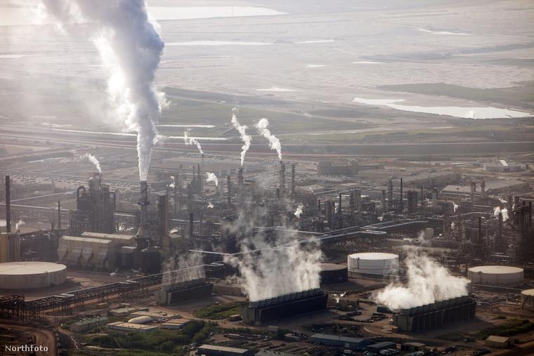 A kanadai olajhomokfejtésről szóló nagyképünkért kattintson!