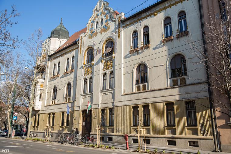 A Ságvári épülete Szegeden
