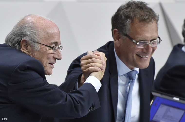 Sepp Blatter és Valcke a FIFA 2015-ös kongresszusán