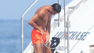 Ronaldo külön sótlanítja a farkát