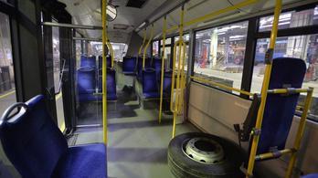 BKK: Aláírták a szerződést az új midibuszokról