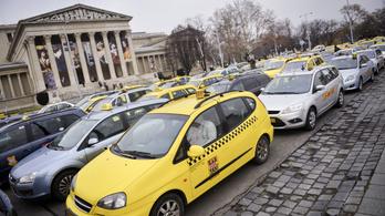 Elegük lett a taxisoknak