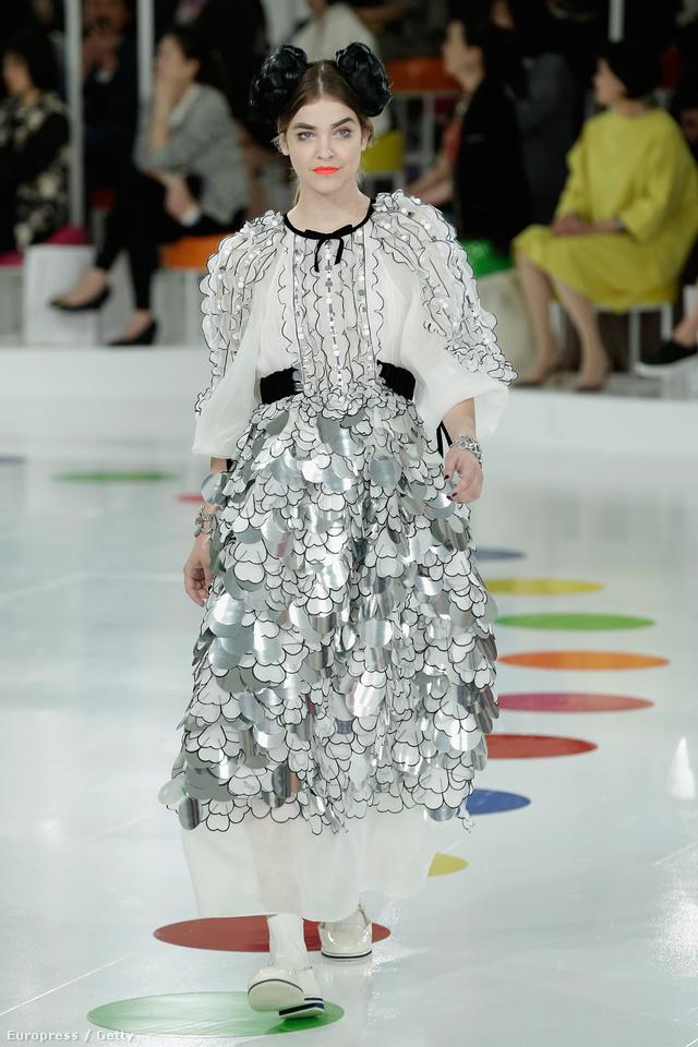 Palvin Barbara is helyet kapott a Chanel shown Szöulban.