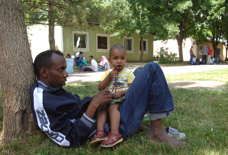 Családdal a Bicskei Menekülttáborban