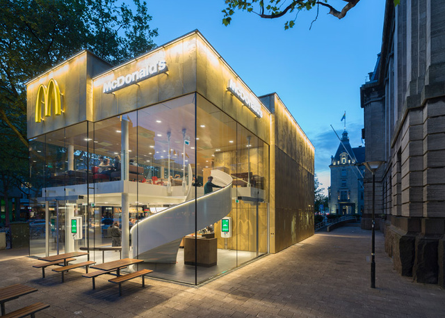 McDonalds-Coolsingel-by-MEI-Architects-and-Planners dezeen 784 9