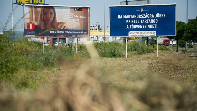 Az Európai Parlament is ellenzi a plakátkampányt
