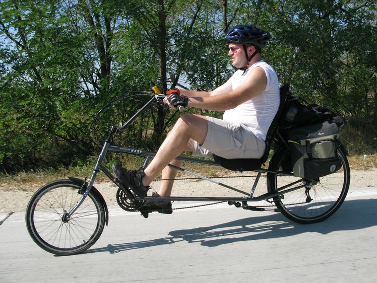 Hosszú tengelytávú Tour Easy Tajvanról: a világ legkényelmesebb bringája, csak elég ormótlan, ha leszállsz róla