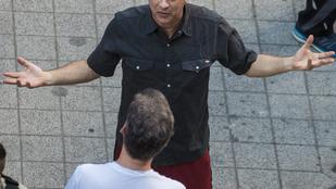 Pókeren kopasztották meg a Budapesten forgató Tom Hankset