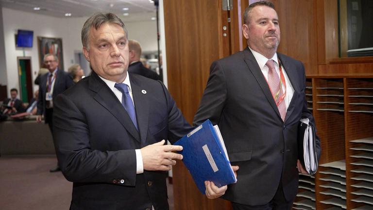 A kormány nagytakarítást tart Brüsszelben