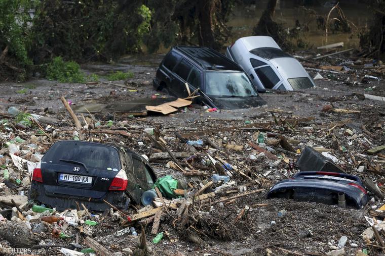 Vasárnapra virradóra hatalmas áradás pusztított Tbilisziben.