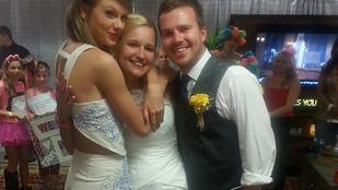 Taylor Swift nagyon jófej volt ezzel az ifjú párral