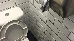 Automata kézszárító a vécébe = mindenfelé széjjelfújt vizelet