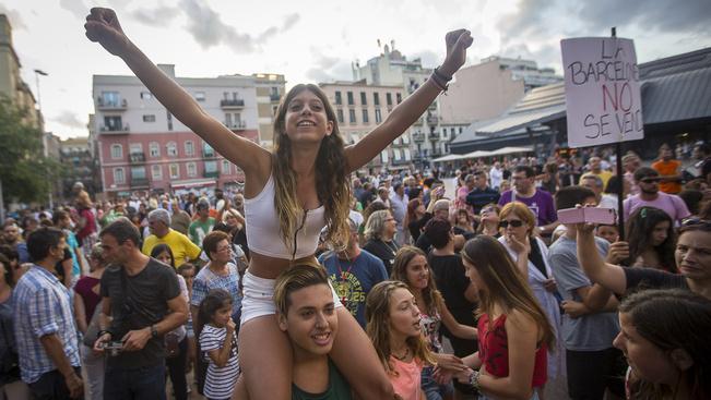 Döntöttek a turizmus korlátozásáról Barcelonában
